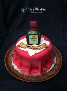 Buchanan S Whiskey Bottle Cake Birthdaycake Birthday