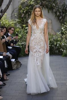 Click to see the most stunning Monique Lhuillier spring 2017 wedding dresses that just came down the runway. There are princess ballgowns, styles that would be perfect for a beach wedding, and so much more.