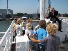 Heb jij altijd al eens kapitein bij de Holland Amerika Lijn willen zijn? Dat kan met ons Kleine Kapitein arrangement! Rotterdam, Holland, Opera House, New York, Travel, America, The Nederlands, New York City, Viajes