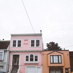 My phone meet a great end last night: death by cinnamon cocktail. I missed you all over the last 24 hours but I'm not back up and running! This photo is from a couple days ago on a morning walk. Robin always teases me because i stop on every block to take photos of houses. Boys will never understand  #littlehouses #pastel