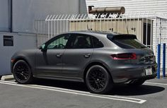 How many macan owners (car and keys in hand) do we have here? Porsche Macan Turbo, Porsche 550, Porsche Cars, My Dream Car, Dream Cars, Suv 4x4, Mercedes G Wagon, Black Wheels, S Car