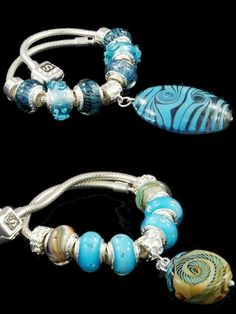 Refined creation from Italian fashion jewelry manufacturers. A sterling silver charm bracelet with one big glass dangle in turquoise swirl motifs, Pandora bracelet charms in zanfirico glass and high-reliefs. Blue tonality. Intricated patterns proposed by costume jewelry manufacturers for this 925 sterling silver bracelet with a glass dangle and two beads in earth motifs and some in blue glass with cubic zirconia.