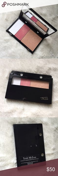 Trish McEvoy Petite Makeup Wardrobing Page Full Includes: Highlight Sunlit, Blush Pink Glow and Translucent Finishing Powder. All used just few times. Great condition Trish McEvoy Makeup Blush
