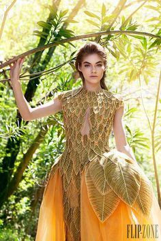 Demeter- goddess of nature Fashion Art, High Fashion, Fashion Show, Womens Fashion, Fashion Design, Style Haute Couture, Mode Style, Dream Dress, Costume Design