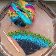 garnituren I've been working on a new pattern and I think I'm finally satisfied with it  --- Er endelig ved at være tilfreds med det nye mønster jeg har arbejdet på  #garnituren #hækling #hækle #virka #hekle #crochet #crochetaddict #instacrochet #instacrocheting #crochetinspiration