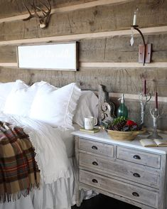 Ordinaire Cottage Style Bedrooms, Rustic Bedrooms, Bedroom Decorating Ideas, Deck  Decorating, Bedroom Ideas, Log Cabin Homes, Cabins, Farm Houses, Rustic  Interiors