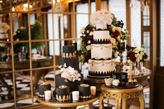 We're loving the movement towards creative luxury, take a look at this beautiful luxe wedding inspiration shoot by Katie Nielen and Jemma-Jade Events.