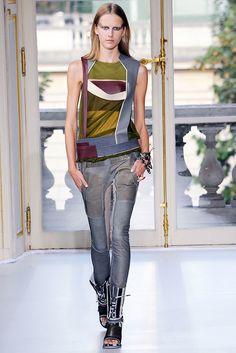 Balenciaga Spring 2010 Ready-to-Wear Fashion Show - Lisanne De Jong (NATHALIE)