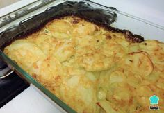 Potatoes au gratin with cream – so easy and tasty that they will fascinate you! How To Make Potatoes, Potatoes Au Gratin, Kitchen Witch, Deli, Macaroni And Cheese, Cooking Recipes, Tasty, Cream, Ethnic Recipes