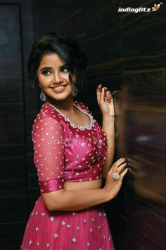 Indian Actress Hot Pics, Tamil Actress Photos, Indian Actresses, Beautiful Girl Photo, Beautiful Girl Indian, Beautiful Roses, Deepika Padukone Style, Most Beautiful Bollywood Actress, Anupama Parameswaran