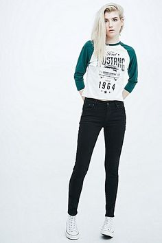 Ford Mustang Baseball Tee in White and Green - Urban Outfitters