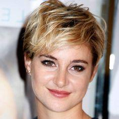 Photos cheveux courts - http://lookvisage.ru/photos-cheveux-courts/ #Cheveux #Beauté #tendances #conseils