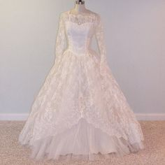 1950s 50s Wedding Dress, Ivory White Floral Chantilly Lace Tulle Beaded Sweetheart Wedding Gown, Full Skirt, Rosette Accents, Beaded Veil