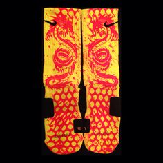 #customnikeelites #kobe #multicolor #brucelee #party #gifts #birthday #nikecustomelites #socks #nike #thesickestsocks Available at Thesickestsocks.com