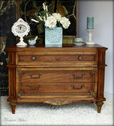 Antiques, Vintage and Elegantly Shabby Chic  ~  https://www.facebook.com/media/set/?set=a.656530404377273.1073741858.631815580182089&type=3