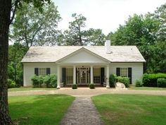 Visit the Little White House in Warm Springs Georgia when camping in this park and learn more about the life of Pres. Roosevelt