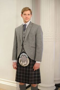 Lomond Tweed Kilt Hire >> for the Mr. To be worn with MacGregor Tartan (Modern or Hunting). £125 hire fee.