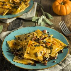 "ravioli: so autumnal! - Pumpkin ravioli: so autumnal! – ""Ravioli with pumpkin – that's what top chef Lea Linster -Pumpkin ravioli: so autumnal! - Pumpkin ravioli: so autumnal! – ""Ravioli with pumpkin – that's what top chef Lea Linster - Healthy Chicken Recipes, Pizza Recipes, Vegetable Recipes, Seafood Recipes, Paleo Recipes, Mexican Food Recipes, Ethnic Recipes, Fruit Recipes, Pumpkin Recipes"