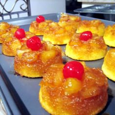 Mini Upside Down Pineapple Cakes - reminds me of my grandma -- she used to make pineapple upside down cake and I loved it! Mini Desserts, Just Desserts, Delicious Desserts, Yummy Food, Mini Pineapple Upside Down Cakes, Pineapple Cake, Baking Recipes, Cake Recipes, Dessert Recipes