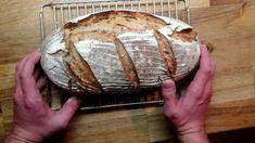 Kváskový pšenično-žitný chleba Baguette, Baked Potato, Potatoes, Bread, Baking, Ethnic Recipes, Youtube, Food, Hampers