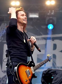 Myles Kennedy  --Alter Bridge at Download Festival 2011 by Shirlaine Forrest