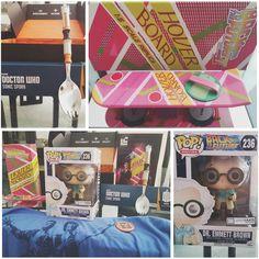 Lootcrate di Ottobre: TIME! - Funko Pop! Dottor Emmett Brown (esclusiva Lootcrate) - Hoverboard di Ritorno al futuro II in scala 1:5 (esclusiva Lootcrate) - Forchetta/cucchiaio Sonic Spork di Doctor Who (esclusiva Lootcrate) - T-shirt Bill and Ted's Excellent Adventure.  #lootcrate #october #subscriptionbox #time #ritornoalfuturo #doctorwho by rafdilorenzo