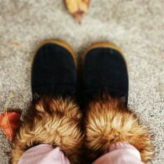 Faux fur collared socks.... what a brilliant idea! Adds fur to any pair of boots!