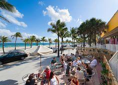 Locals enjoy al fresco dining on A1A, Fort Lauderdale's beachfront avenue (Photograph by Ian Dagnall, Alamy)