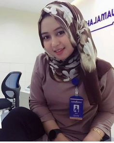 Hijaber Turki: Anggi Beautiful Model of Hijab From Semarang Beautiful Hijab Girl, Beautiful Muslim Women, Beautiful Models, Muslim Beauty, Hijabi Girl, Hijab Chic, Muslim Girls, Hijab Outfit, Girl Face