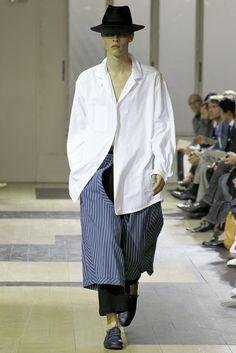 Yohji Yamamoto - Spring 2012 Menswear - Look 1 of 47