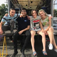 Behind the scenes Atipical Autistic People, Autistic Children, Series Movies, Tv Series, Photo Series, Movies Showing, Movies And Tv Shows, Casey Atypical, Brigette Lundy Paine