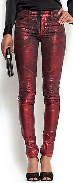 I REALLY want to love metallic jeans for winter 2015, but i tried on a pair yesterday and they weren't very forgiving :(    Red metallic Jeans by Mango