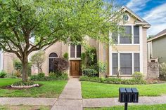 Single Family Property For Sale with 3 Beds & 2.1 Baths in Houston, TX (77069)