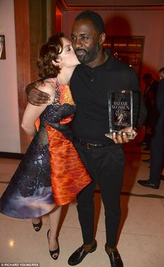 Reunited: Ruth Wilson gives her former Luther co-star Idris Elba at big kiss on the red carpet of the Harpers Bazaar Woman of the Year award… English Actresses, British Actresses, Luther Bbc, Kim Basinger Now, Large Men Fashion, Men's Fashion, Actor Idris, Ruth Wilson, Bbc Tv Shows