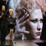Alexander Kiryliuk y SK desafiaron la gravedad con el show Lumière Noir