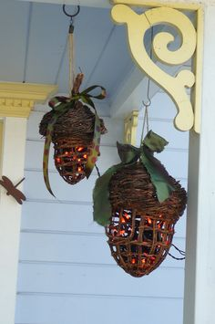 I LOVE these.  How about hanging them in the front of the house windows during fall?