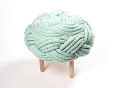 Olann knitted wool ottoman by Claire-Anne O'Brien Simple Furniture, Furniture Legs, Furniture Making, Furniture Design, Upholstery Foam, Furniture Upholstery, Decoration, Art Decor, Home Furnishings