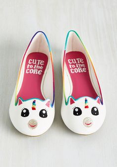 Creature Presentation Flat in White Unicorn - White, Multi, Print with Animals, Embroidery, Casual, Fairytale, Quirky, Critters, Summer, Flat, Better, Variation, Multi, White, Kawaii