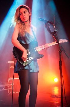 Ellie Rowsell (Wolf Alice): The Junction, Cambridge - photo review   Louder Than War