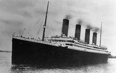 Titanic setting out on her maiden - and final - voyage. Courtesy: Daniel Smith Collection - lots and lots of details of the Titanic and sister ships. Covers specs and resources of the ships. A really interesting indepth read! Titanic Real, Rms Titanic, Film Titanic, Titanic Photos, Titanic Sinking, Titanic Cake, Titanic Deaths, Titanic Poster, Belfast