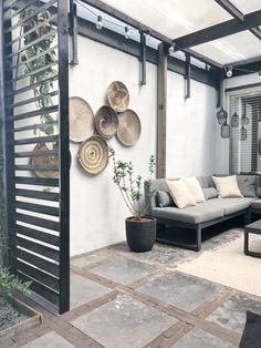 Concrete Patio Designs, Outside Living, Home Landscaping, Garden Seating, Diy Pergola, Outdoor Rooms, Home And Living, New Homes, Home And Garden