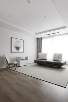20평대 아파트 거실 Interior Walls, Living Room Interior, Interior And Exterior, Living Room Decor, Interior Design, Style At Home, Family House Plans, Interior Concept, Villa