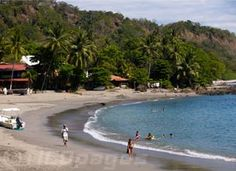 Montezuma is a picturesque beach, small village, known for its off-beat, bohemian atmosphere and the stunning beauty of its beaches, rivers and waterfalls.