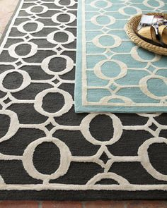 love these rugs!