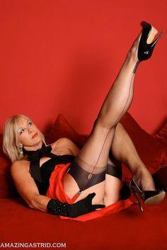 Worship the female leg