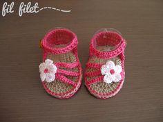 Sandalia bebé crochet con detalle de flor por filfilet en Etsy