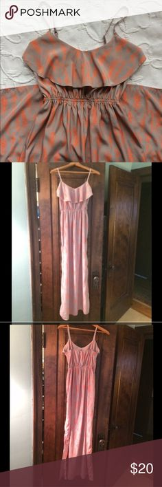 SOPRANO midi dress SOPRANO orange and gray midi dress with slit on one side. This is super cute in excellent condition and adjustable straps. Only worn once or twice! Soprano Dresses