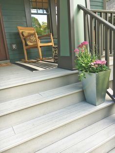 Trex decking was recently used to help renovate a high-profile project house for HGTV in Michigan. Learn more about the home in this article from Plastics News.