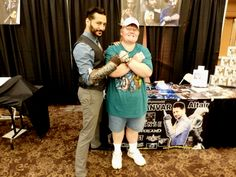 What honor to meet Cas Anvar at Geekinomicon in Oklahoma City. Are planning to come to see Cas in person do grab moment to take a look all his new The Expanse photos came in. They are totally awesome