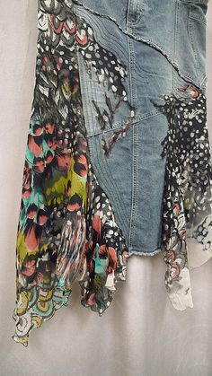 Jeans & Denim: Recycled, Upcycled and Repurposed Things to make with old jeans. Denim crafts and ideas. Jeans Denim, Old Jeans, Denim Skirt, Raw Denim, Diy Clothing, Sewing Clothes, Recycled Clothing, Recycled Fashion, Jeans Recycling